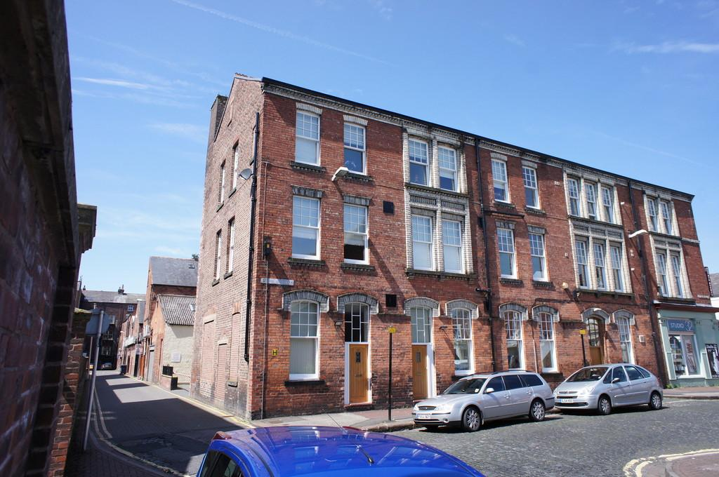 2 Bedrooms Penthouse Flat for sale in Thurnams House, St Pauls Square, Carlisle