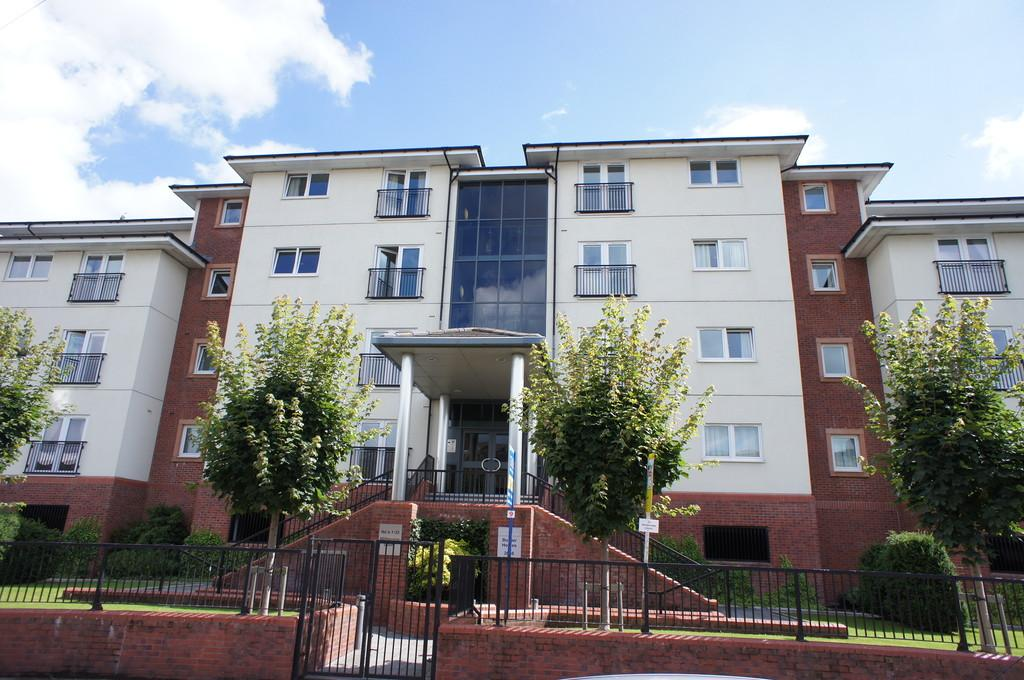 2 Bedrooms Apartment Flat for sale in Milbourne Court, Carlisle