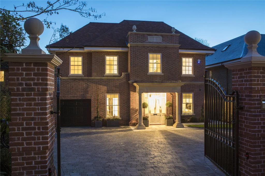 5 Bedrooms Detached House for sale in Pearmain Court, Hill View Road, Esher, Surrey, KT10