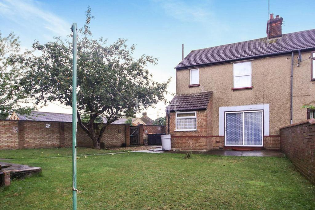 3 Bedrooms Semi Detached House for sale in St. Pauls Road, Bedford, MK40