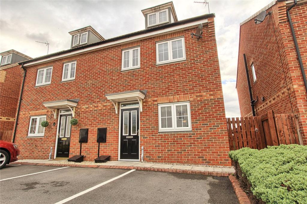3 Bedrooms Semi Detached House for sale in Gardenia Way, College Gardens