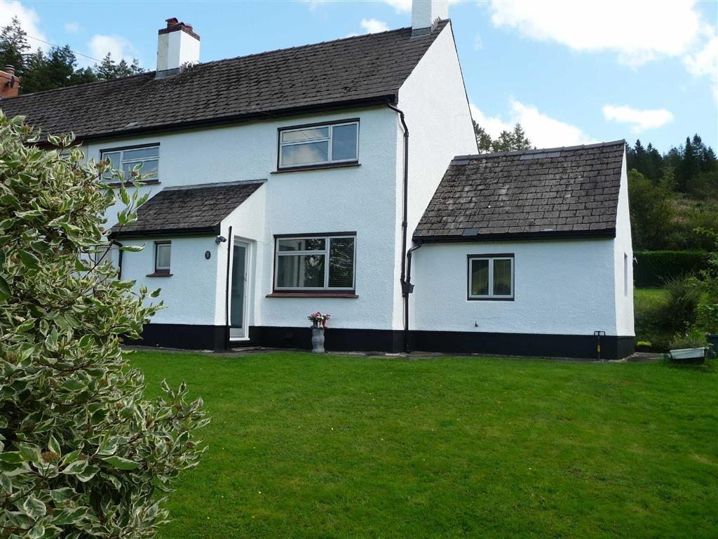 3 Bedrooms Semi Detached House for sale in Llangadog, Carmarthenshire, West Wales, SA19