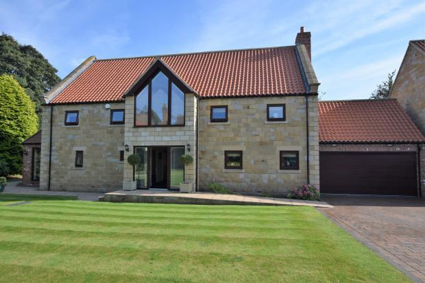 4 Bedrooms Detached House for sale in South Street, Scalby, Scarborough, North Yorkshire YO13 0QR