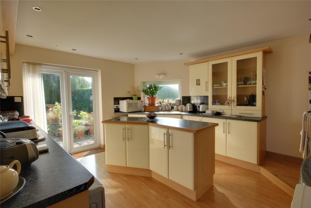 3 Bedrooms Detached Bungalow for sale in Tweentown, CHEDDAR, BS27