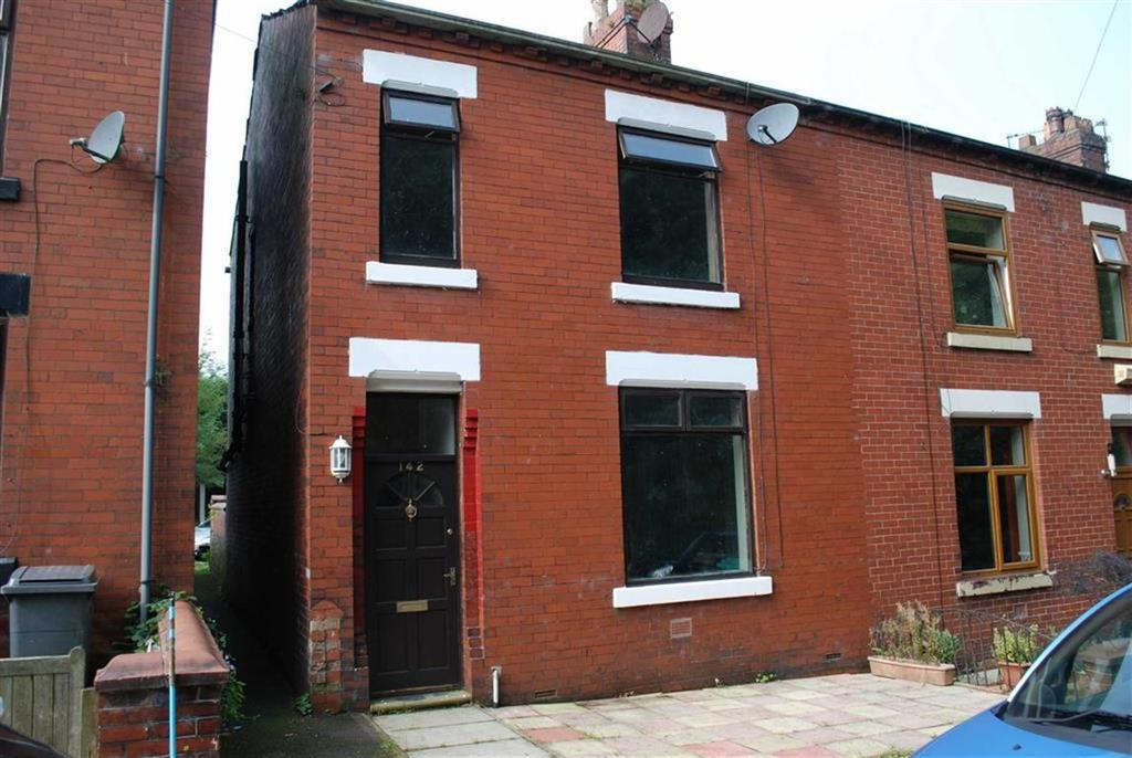 3 Bedrooms End Of Terrace House for sale in Moston Road, Manchester, Lancs