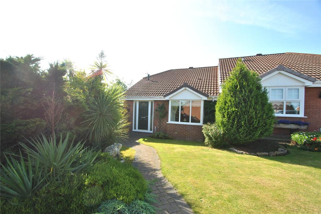 3 Bedrooms Semi Detached Bungalow for sale in Weymouth Drive, Seaham, Co Durham, SR7