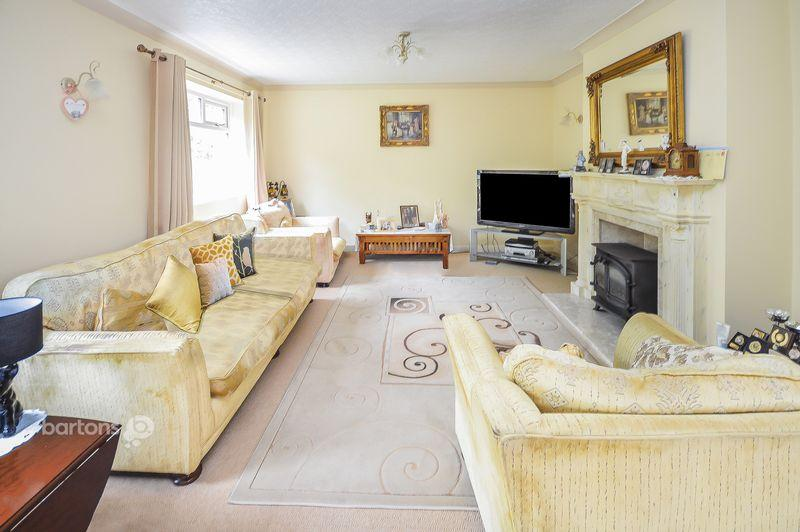 4 Bedrooms Detached House for sale in Hazel Road, Maltby
