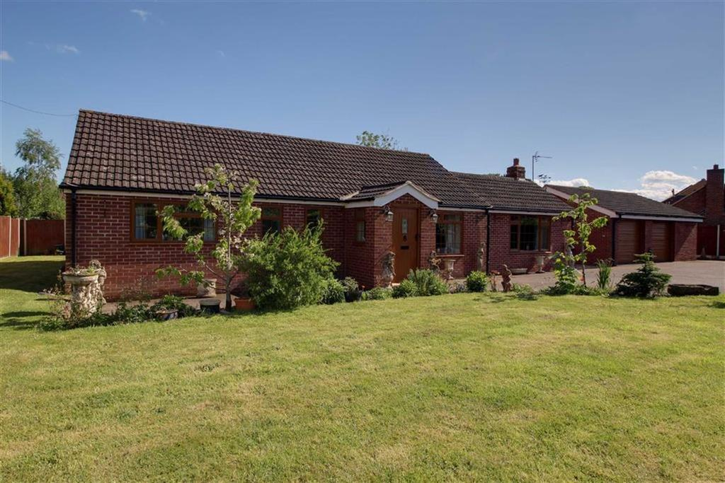 3 Bedrooms Detached Bungalow for sale in Bromsberrow Heath, Herefordshire