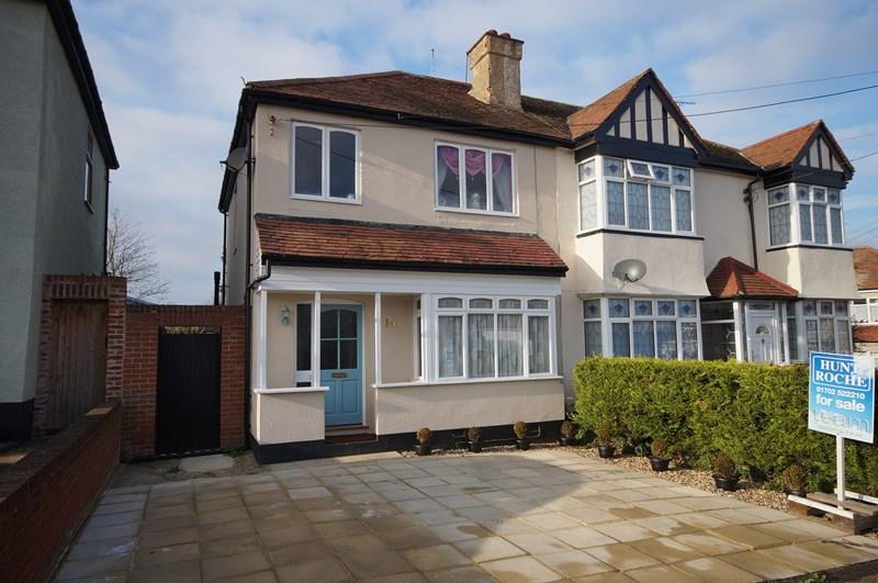 3 Bedrooms Semi Detached House for sale in Hazelwood Grove, Leigh-On-Sea