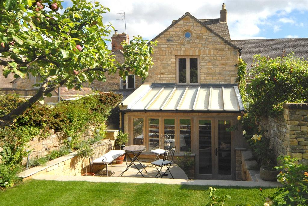 3 Bedrooms Semi Detached House for sale in Park Road, Chipping Campden, Gloucestershire, GL55