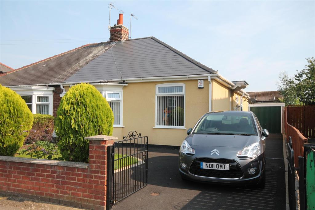 2 Bedrooms Semi Detached Bungalow for sale in Stockton Road, Darlington
