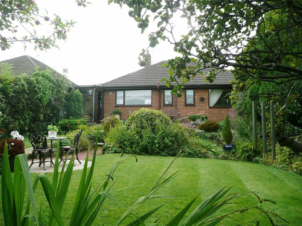 2 Bedrooms Detached Bungalow for sale in Ramsey Avenue, Walton, Chesterfield, S40