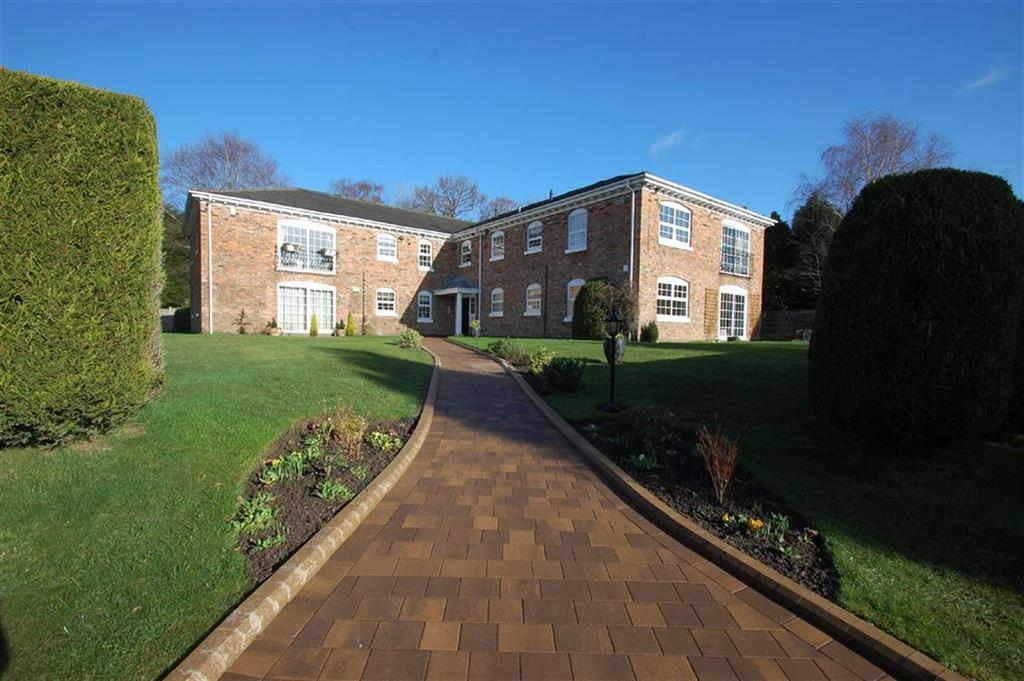 2 Bedrooms Flat for sale in Crest Lodge, Bramhall, Cheshire