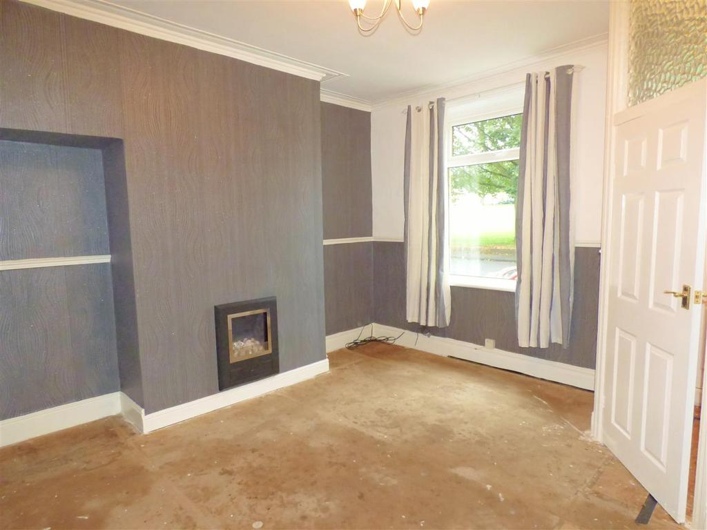 3 Bedrooms End Of Terrace House for sale in Hawes Road, Bankfoot, Bradford, BD5 9AW