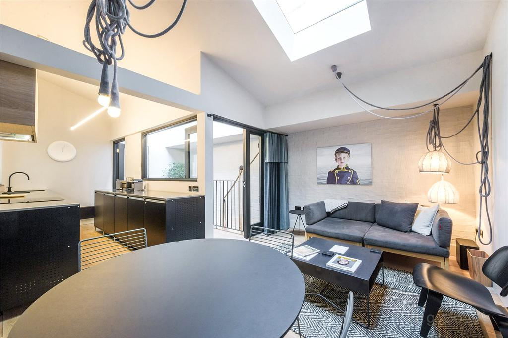 7 Bedrooms Town House for sale in Long Acre, Covent Garden, WC2E
