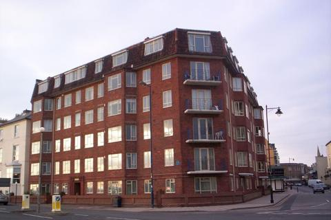 2 bedroom flat to rent - Queens Keep, Clarence Parade, PO5 3NX