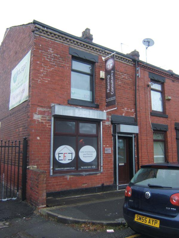 End Of Terrace House for sale in Victoria Street, Oldham