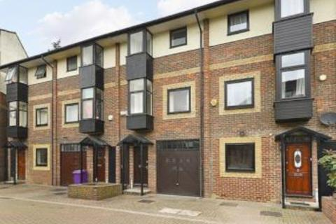 4 bedroom terraced house to rent -  Barnfield Place,  Canary wharf, E14