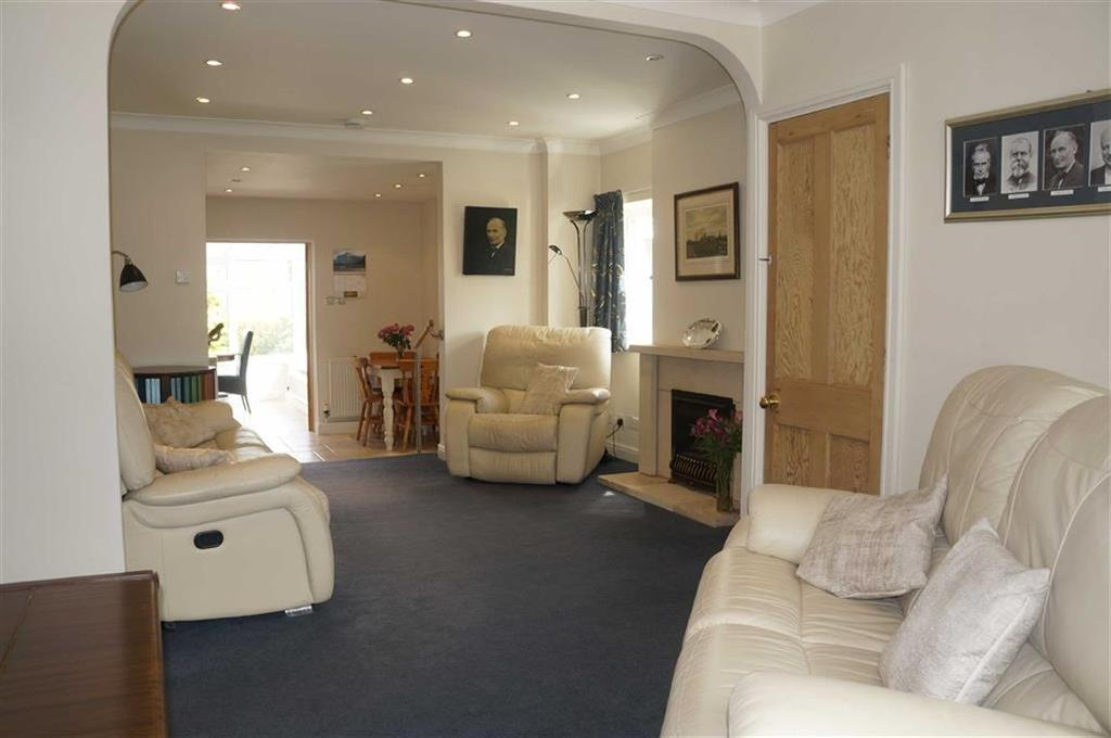 2 Bedrooms Detached Bungalow for sale in St Edwards Drive, Stow-on-the-Wold, Gloucestershire