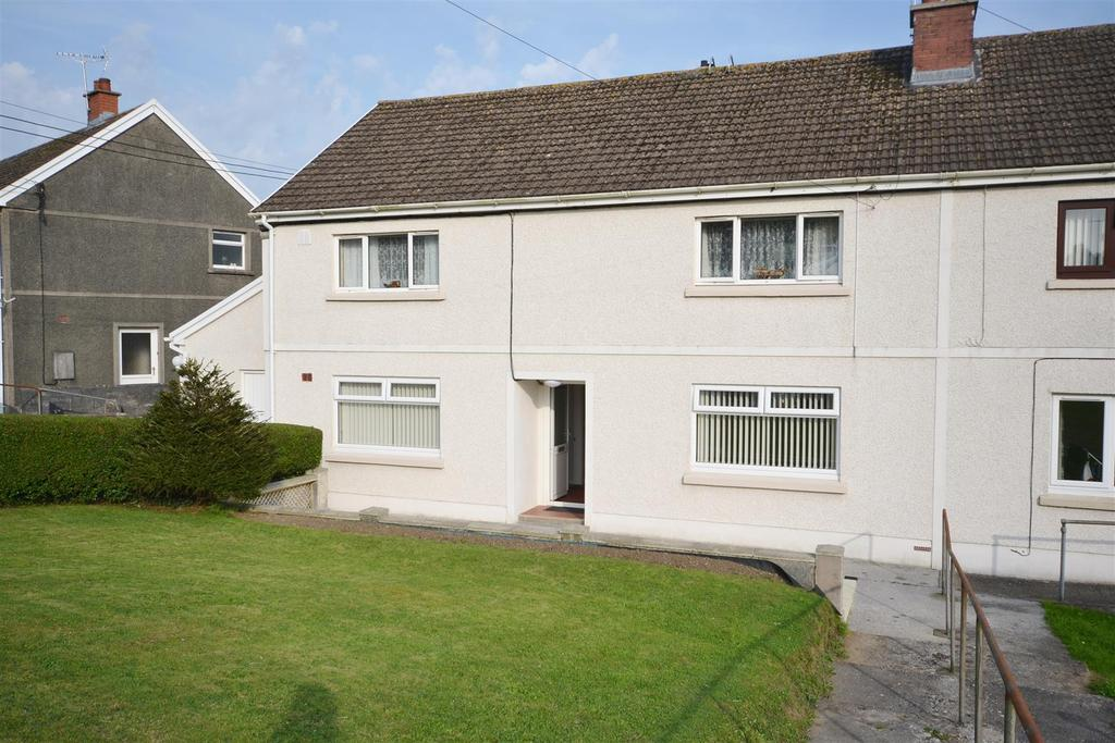 2 Bedrooms Apartment Flat for sale in Lon Cowin, Bancyfelin, Carmarthen