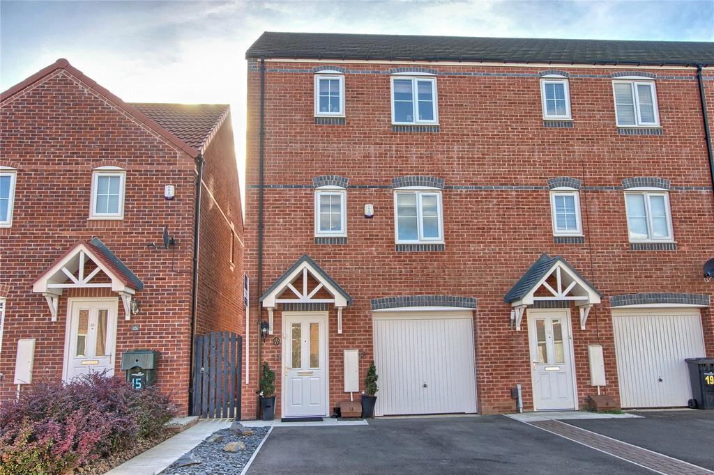 3 Bedrooms End Of Terrace House for sale in Hoskins Lane, Scholars Rise