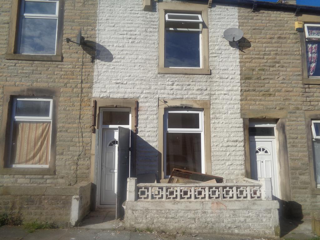 2 Bedrooms Terraced House for sale in Florence Street, Burnley BB11