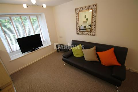 Studio to rent - Fairhaven Close