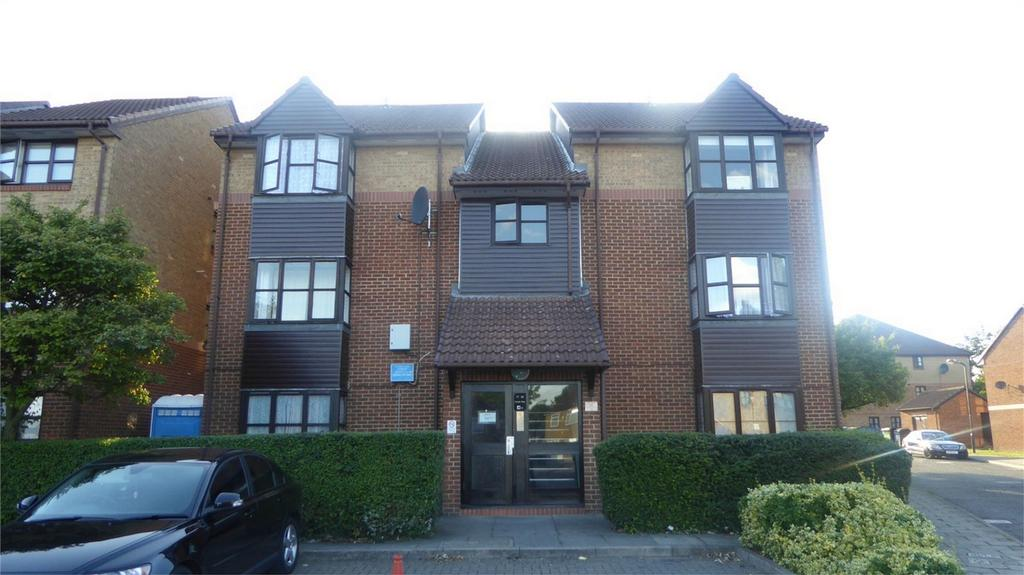 1 Bedroom Flat for sale in Conifer Way Wembley HA0 3QP, Wembley, Greater London