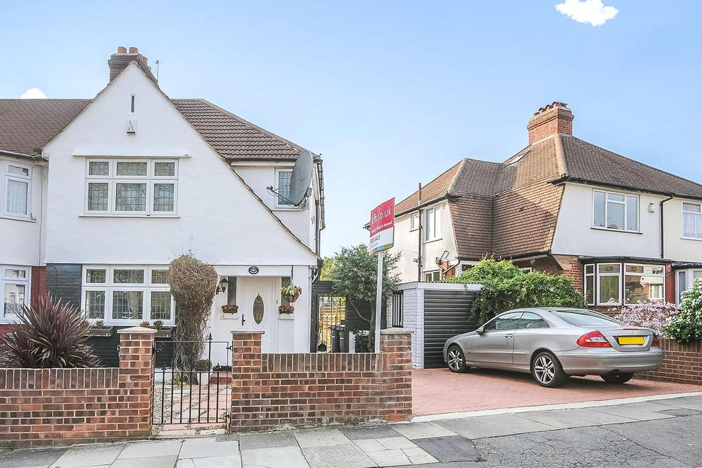 3 Bedrooms Semi Detached House for sale in Winlaton Road, Bromley, BR1
