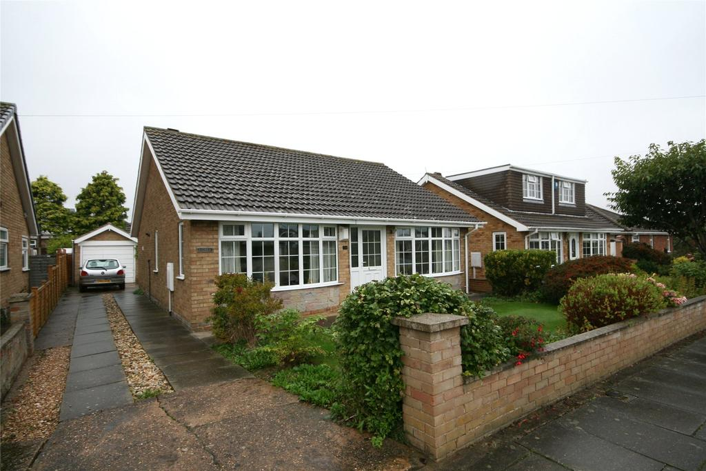 3 Bedrooms Detached Bungalow for sale in Torbay Drive, Scartho, DN33