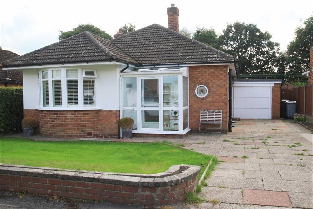 2 Bedrooms Detached Bungalow for sale in Stanneylands Drive, Wilmslow