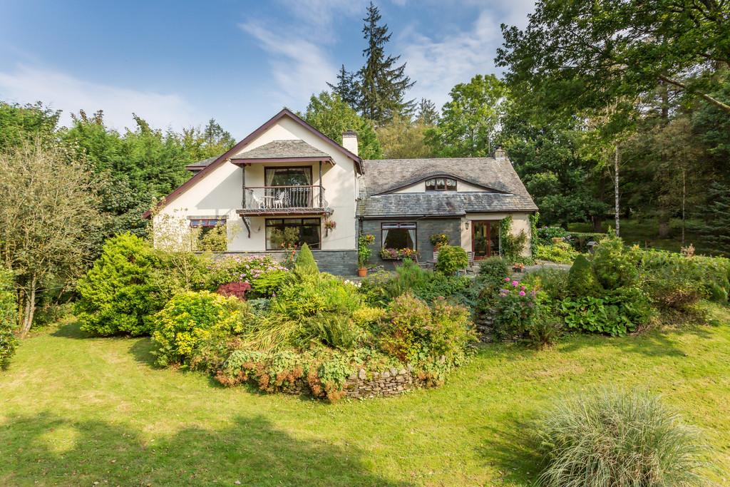 4 Bedrooms Detached House for sale in Fell End Cottage, Ghyll Head, Bowness-On-Windermere, LA23 3LN