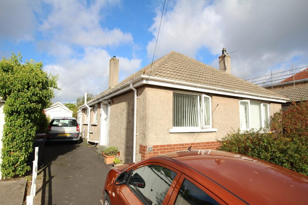 2 Bedrooms Detached Bungalow for sale in 3 Cowlarns Road, Barrow In Furness