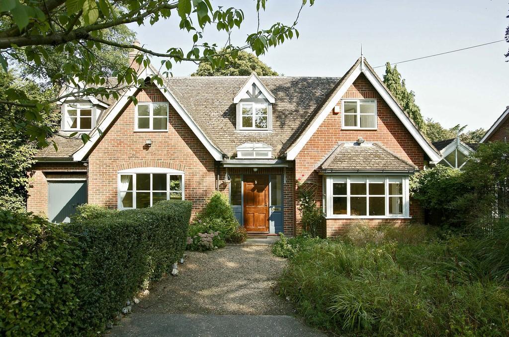 4 Bedrooms Detached House for sale in Colney Lane, Cringleford
