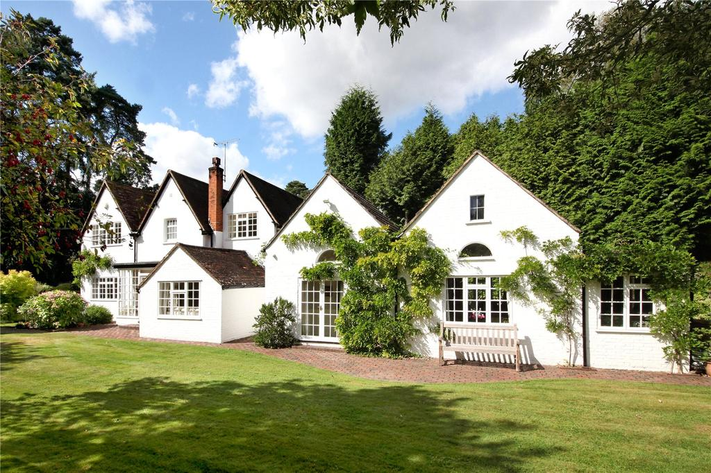 4 Bedrooms Detached House for sale in Westwood Road, Windlesham, Surrey