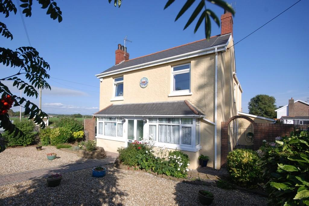 5 Bedrooms Detached House for sale in Gileston Road, Gileston, Vale of Glamorgan, CF62 4HU