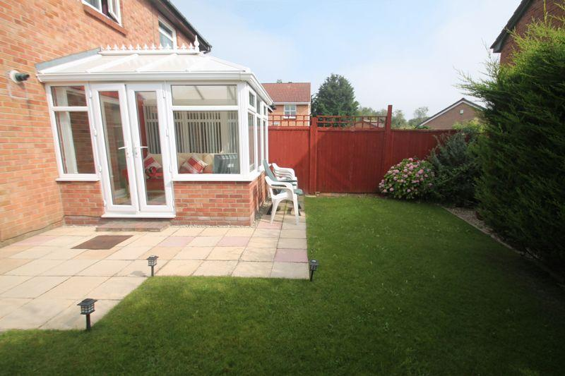 2 Bedrooms Semi Detached House for sale in Sledmere Close, Billingham