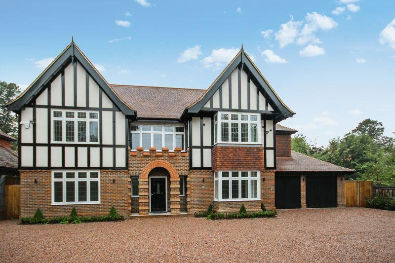 6 Bedrooms Detached House for sale in PURLEY