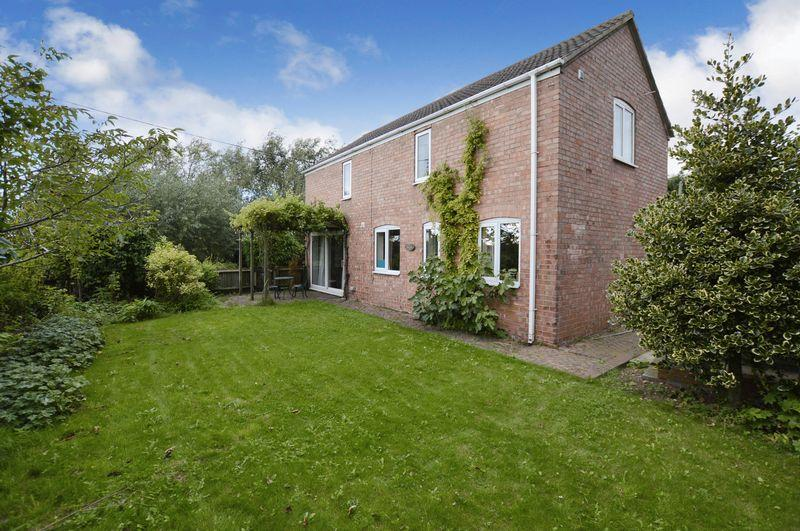 3 Bedrooms Barn Conversion Character Property for sale in Leagate Barn, Leagate Road, Tumby