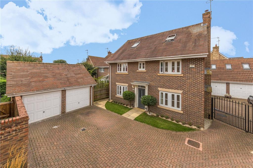 5 Bedrooms Detached House for sale in Waddling Lane, Wheathampstead, St. Albans, Hertfordshire