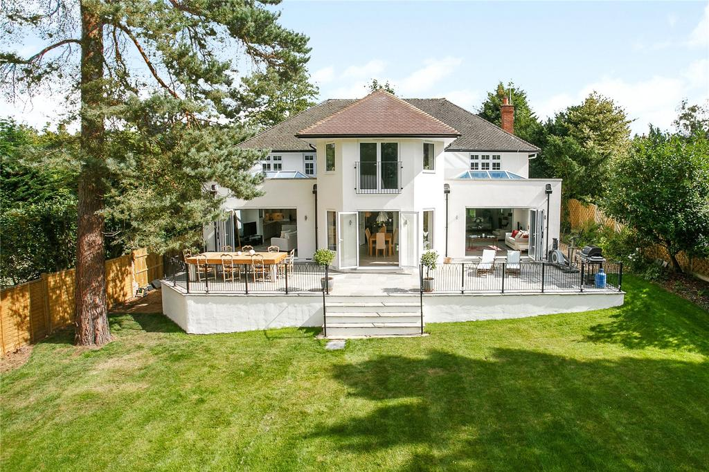5 Bedrooms Detached House for sale in Beech Close, Cobham, Surrey, KT11