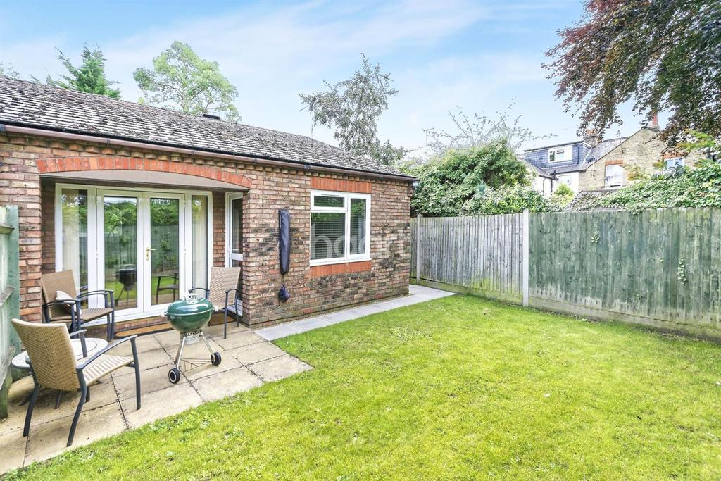 1 Bedroom Bungalow for sale in Dedworth Road
