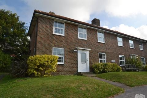 4 bedroom semi-detached house to rent - Greenways Brighton East Sussex BN2