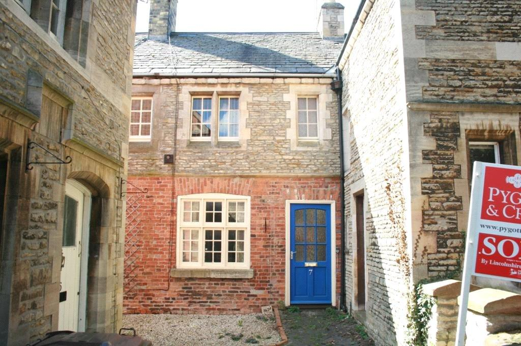 1 Bedroom Terraced House for sale in Parrys Court, Sleaford, NG34