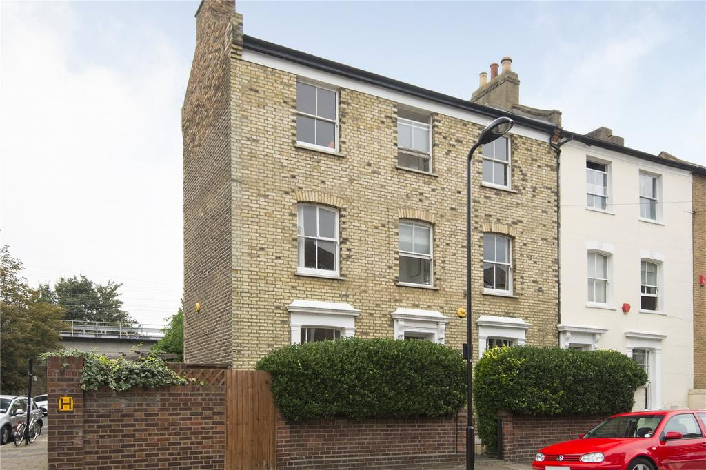 5 Bedrooms End Of Terrace House for sale in Horton Road, London, E8