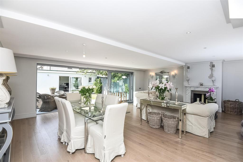 4 Bedrooms End Of Terrace House for sale in Kilmington Road, Barnes