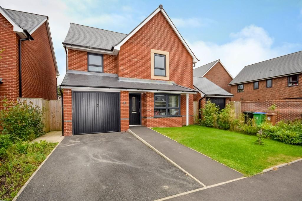 4 Bedrooms Detached House for sale in Montrose Street, Castleton