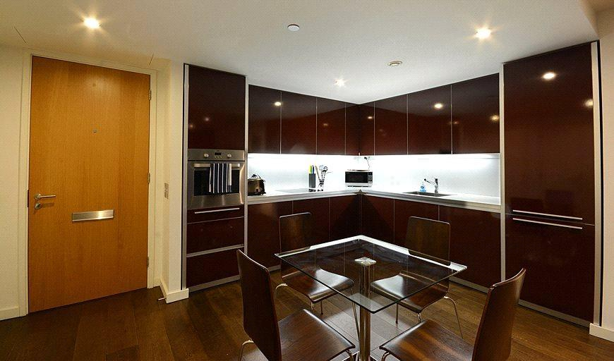 2 Bedrooms Flat for sale in Walworth Road, London, SE1