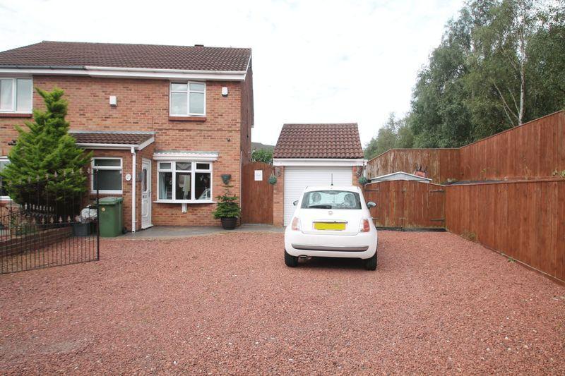 3 Bedrooms Semi Detached House for sale in Sledmere Close, Billingham