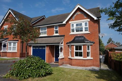 4 bedroom detached house to rent - Kestrel Close, Congleton